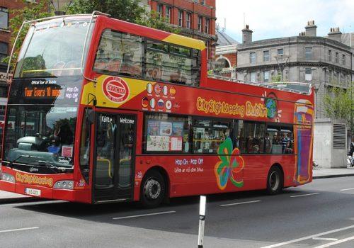 bus-605584_640