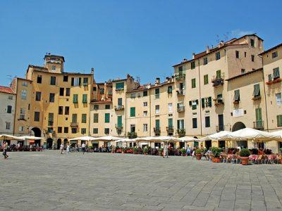 piazza-anfiteatro-lucca-348488_640