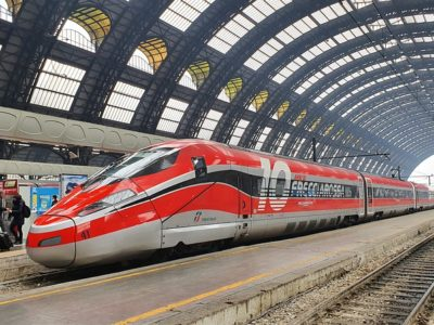train-5739909_640